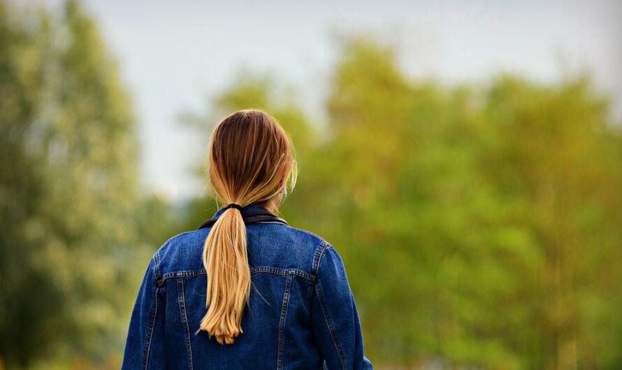 Comment rester chic avec la veste en jean déchirée ?