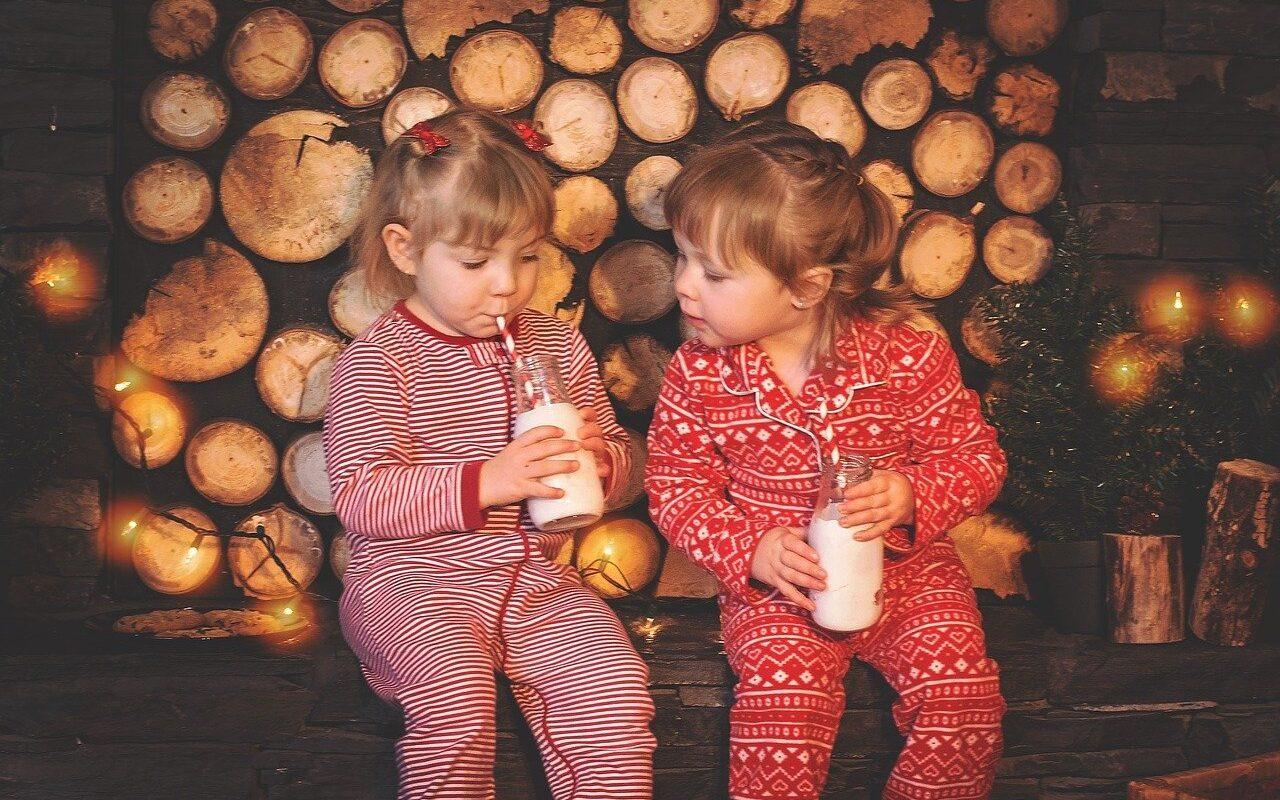 enfants en pyjama