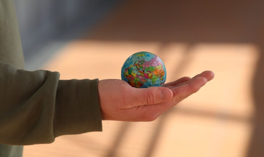 Quel est le rôle du globe terrestre dans la décoration d'une maison ?